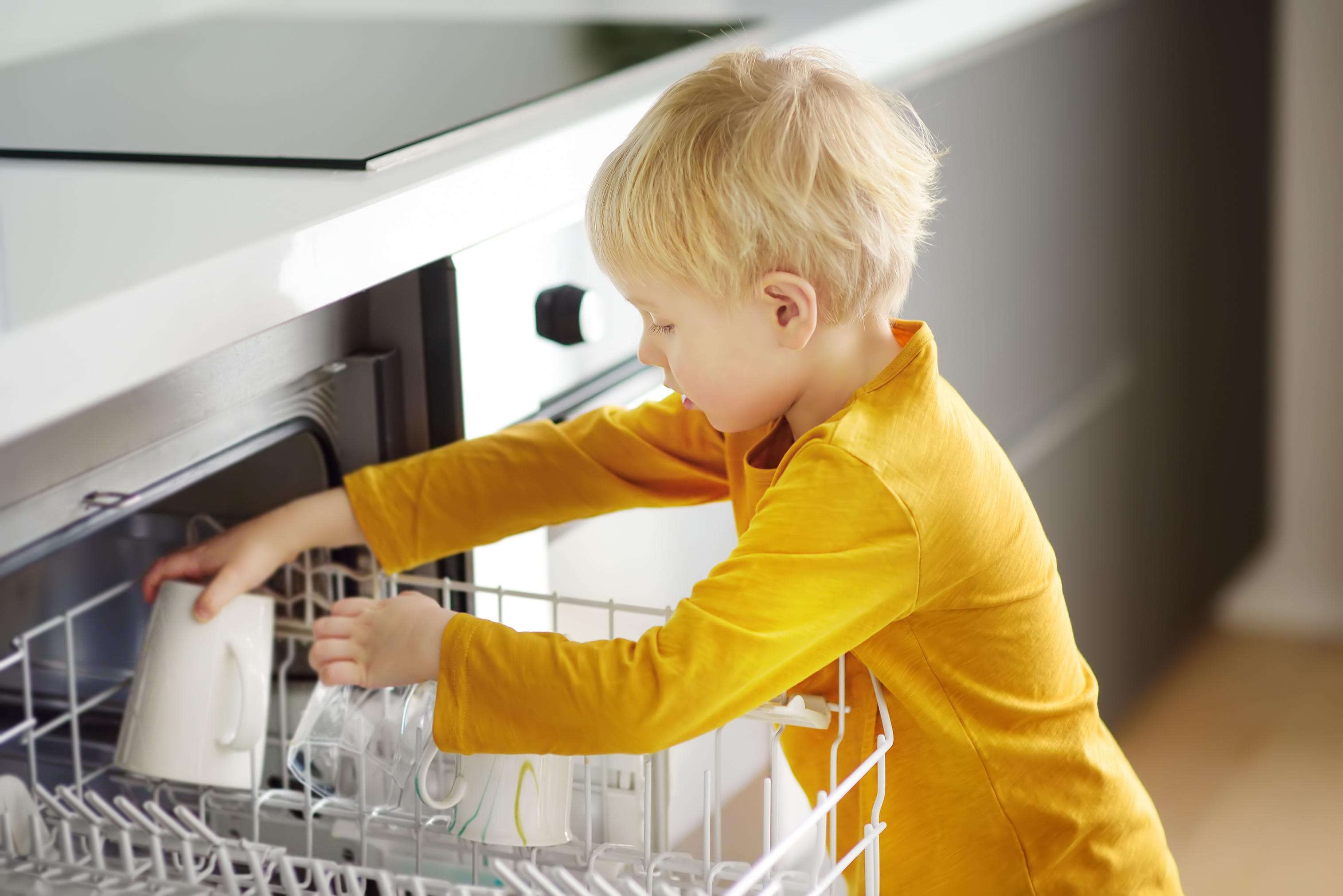 Zmywarka czy mycie ręczne?